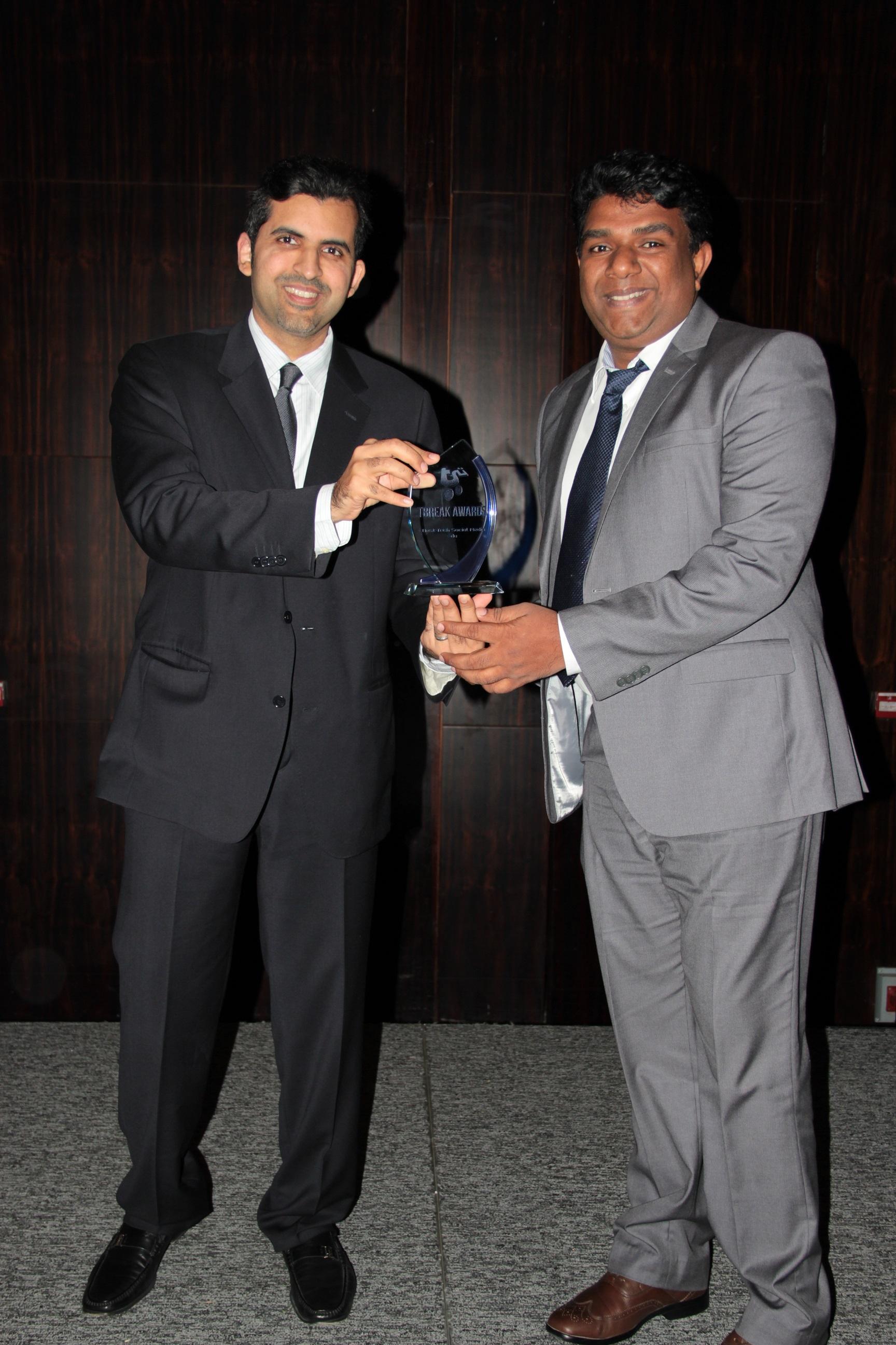 du-receives-best-tech-social-media-award-from-tbreak