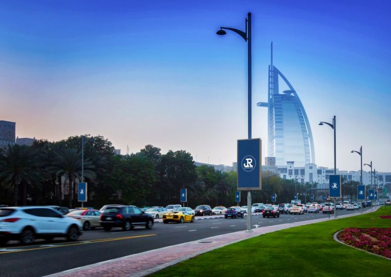 jcdecaux-signs-new-street-furniture-contract-with-dxb-media-advertising
