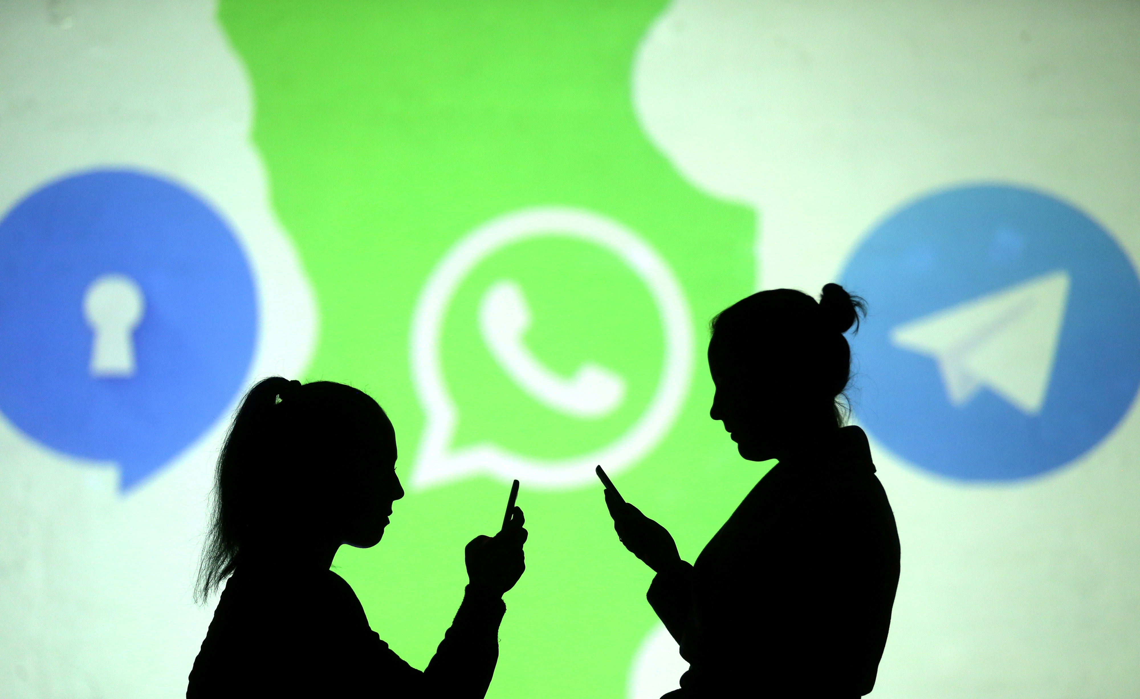 whatsapp-will-bring-stories-ads-in-2020
